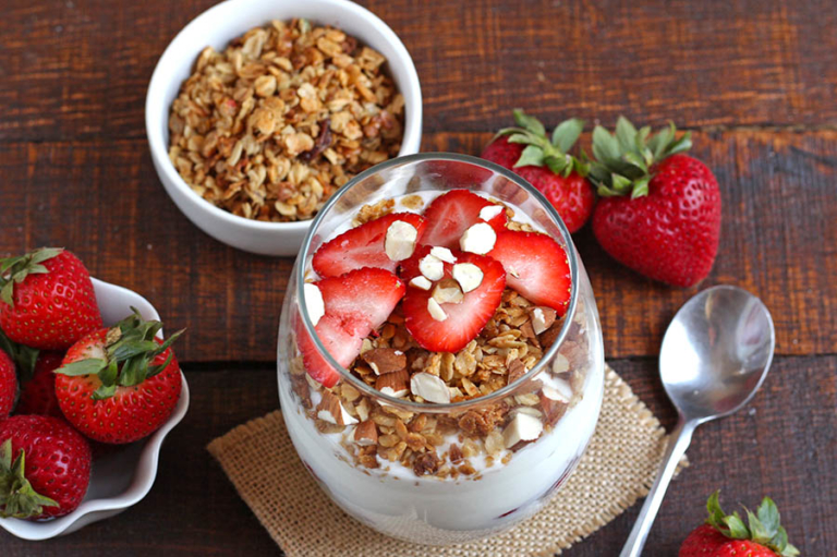 Fruit, Yogurt & Granola Parfait