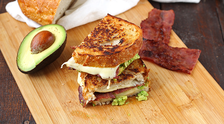 Guacamole Bacon Grilled Cheese Sandwich ~ Anabolicco