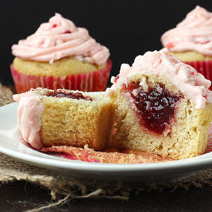 Strawberry Filled Cupcakes ~ Anabolicco