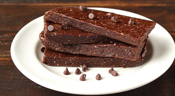 No Bake Chocolate Almond Energy Bars